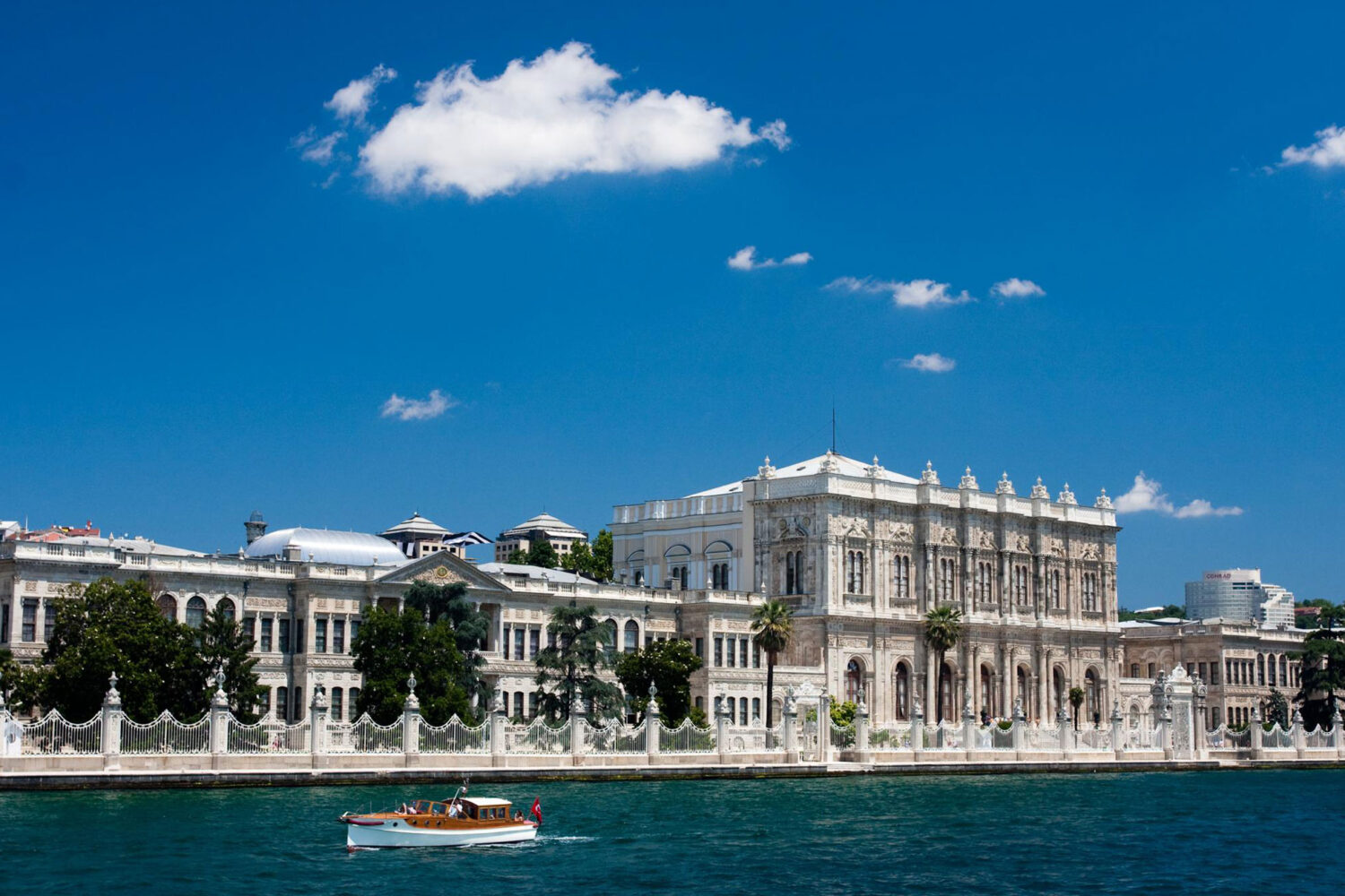 Tour Photos Dolmabahce Palace from Bosphorus