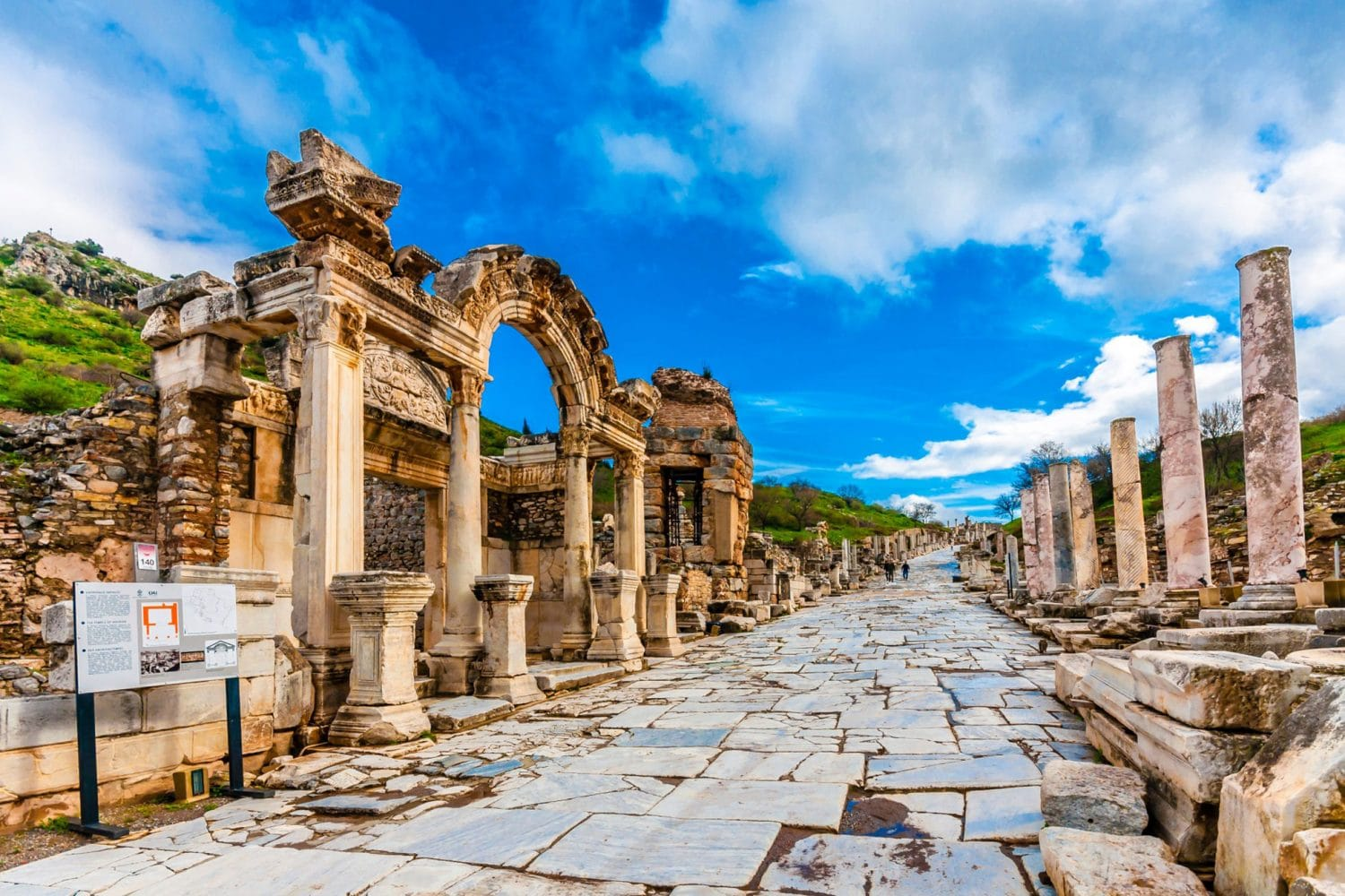 Tour Photos Ephesus Hadrian Temple