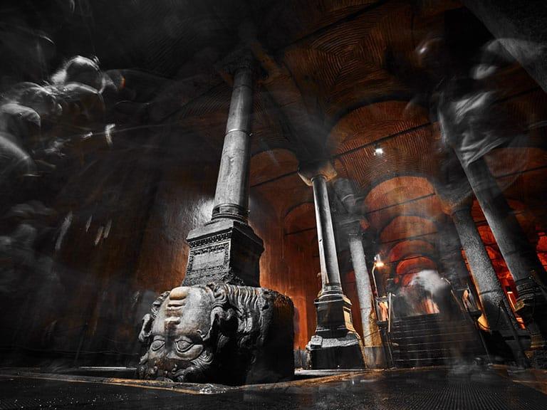Photo Basilica Cistern Medusa