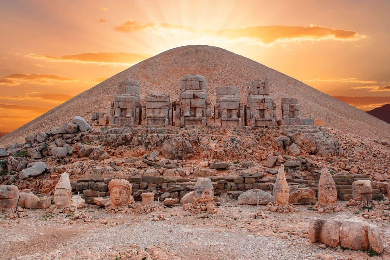 Tour Photos Nemrut Gods Statues