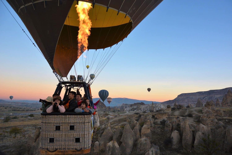 Tour photos Cappadocia balloon passangers in the basket