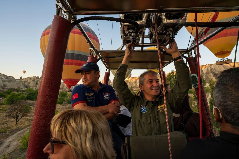 Tour Photos Cappadocia balloon taking off