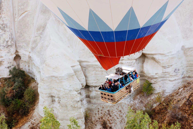 Tour photos Cappadocia balloon valley view