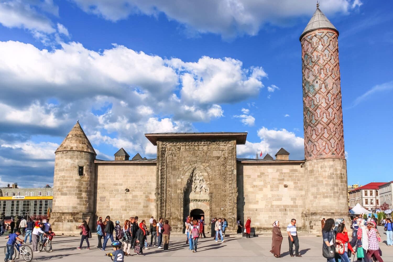 Tour Photos Erzurum Yakutiye Medrese
