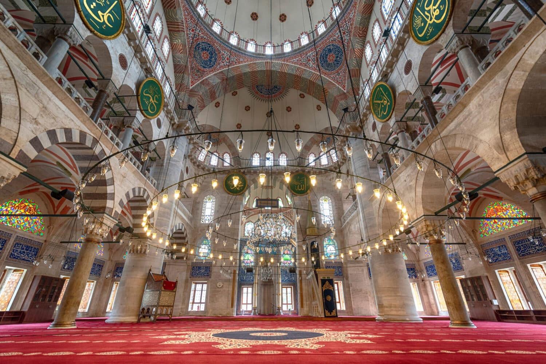 Tour Photos Interior Kilic Ali Pasa Mosque