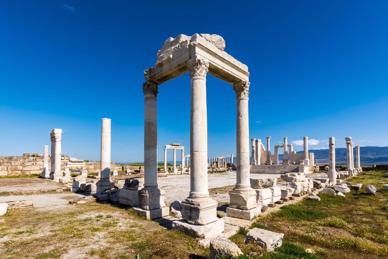 Tour Photos Laodicea Church