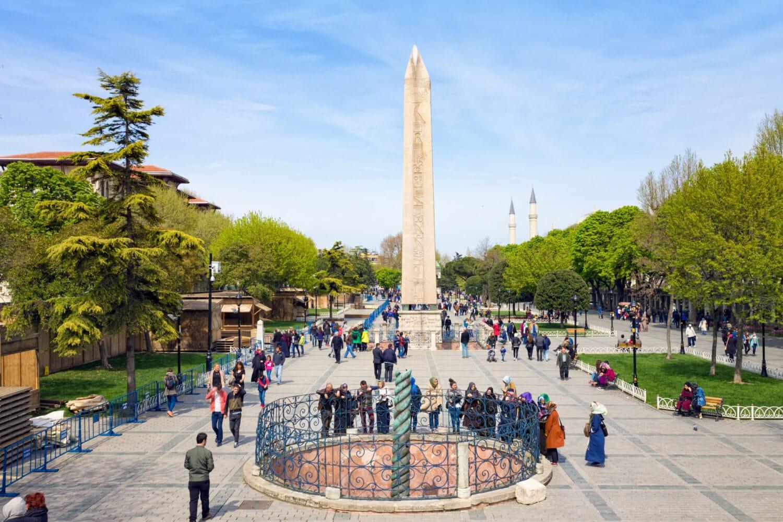 Tour Photos the Hippodrome Columns